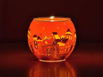 Leuchtglas 11cm Nr.301 Winterdorf in warmen Rottönen - 1